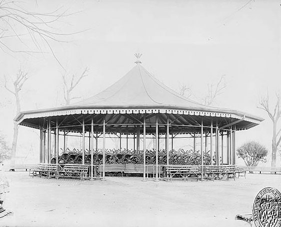 Riverside Park pavillion